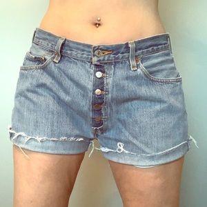 Levi cut off jeans